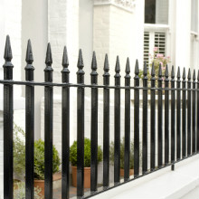 Hammerite fence painted in Hammerite Direct to Rust Smooth black