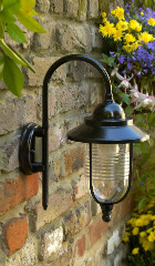 Gardenlamp painted with Hammerite Direct to Rust